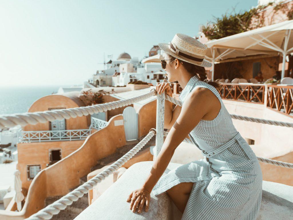 GREECE DIARIES: 24 HOURS IN MAGICAL SANTORINI